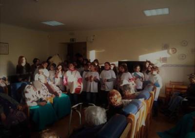 Visita dos alunos do colégio Cidade Roda  cantar a Janeiras